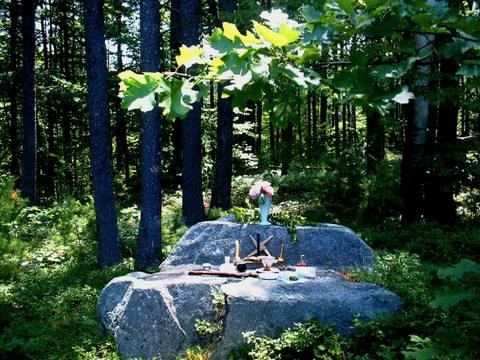 Altar_at_lichenwood_best
