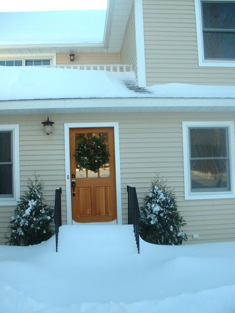 Snowed_in_front_door